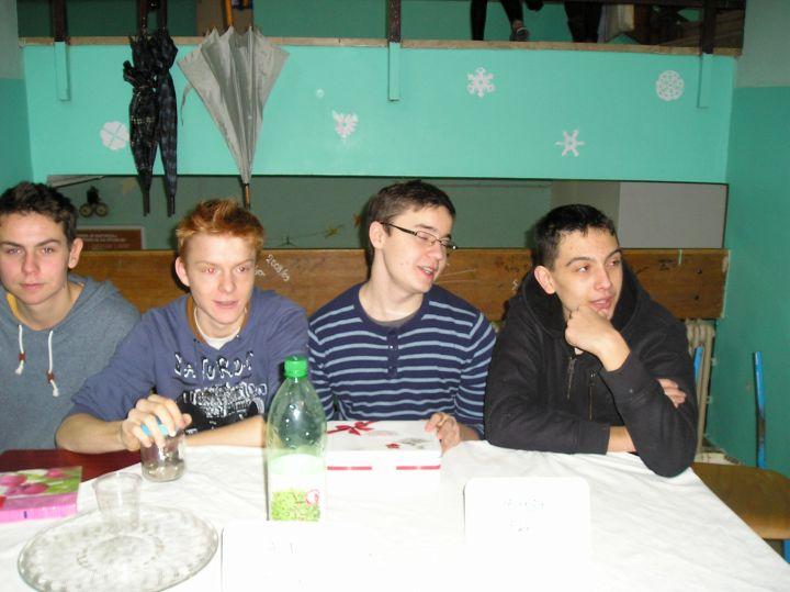 Gimnazija_palacinke_humanitarna_akcija_PC200777