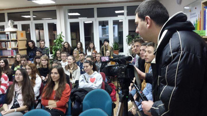 Sajam_studija_prosinac_2013_udruga_POINT_gimnazija_studenti_2
