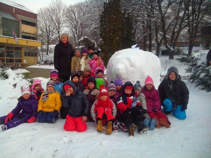 Medvjed_skulptura_snijeg_Igor_Brkic_1