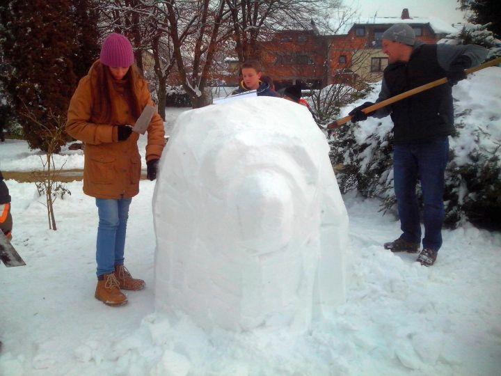 Medvjed_skulptura_snijeg_Igor_Brkic_2