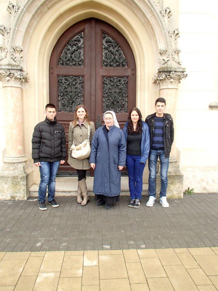 P2180088_tulum_slova_grkokatolicka_katedrala_srednja_gospodarska_skola