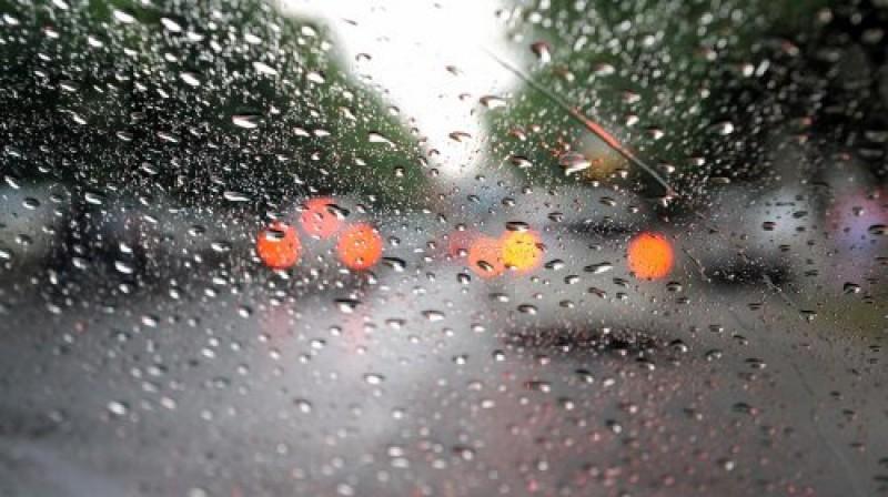 kisa_otezan_promet_prelijevanje_kolnik_poplava