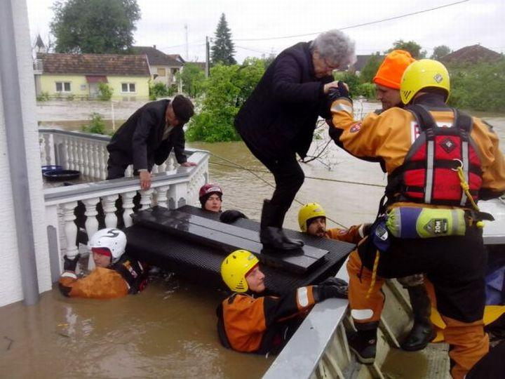 Spasavanje-poplave-HGSS625