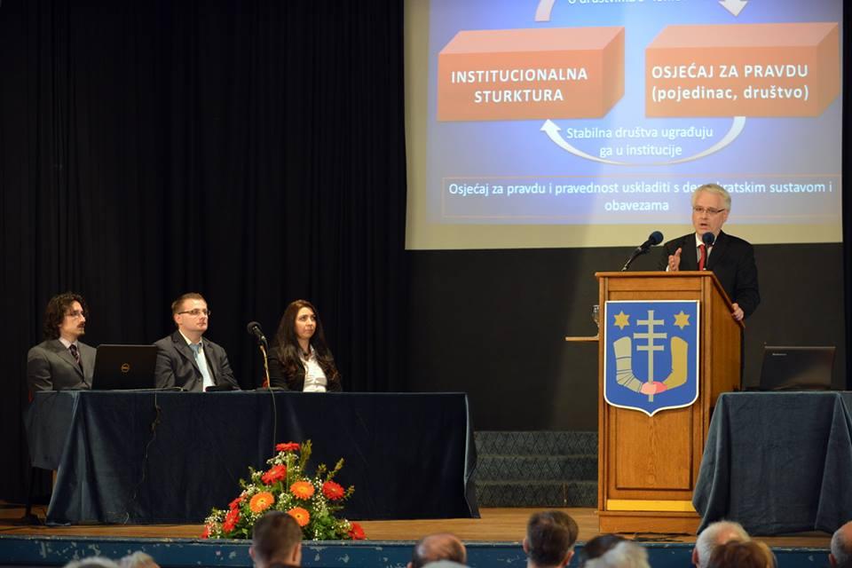 predsjednik 1_Ivo_Josipovic_predavanje_udruga_Demokroacija