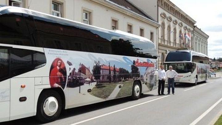 201408131329010_bus2_cazmatrans_autobus_motivi_grada_reklame
