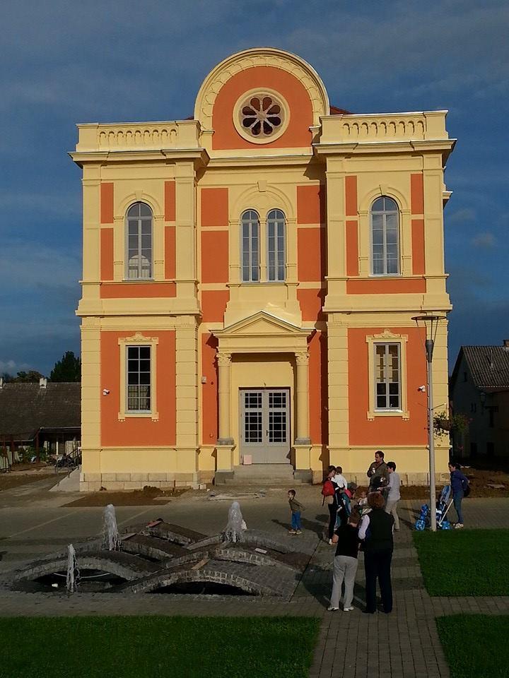 Bella_Fly_Facebook_sinagoga_obnovljena_dom_mladih_turisticki_informativni_centar