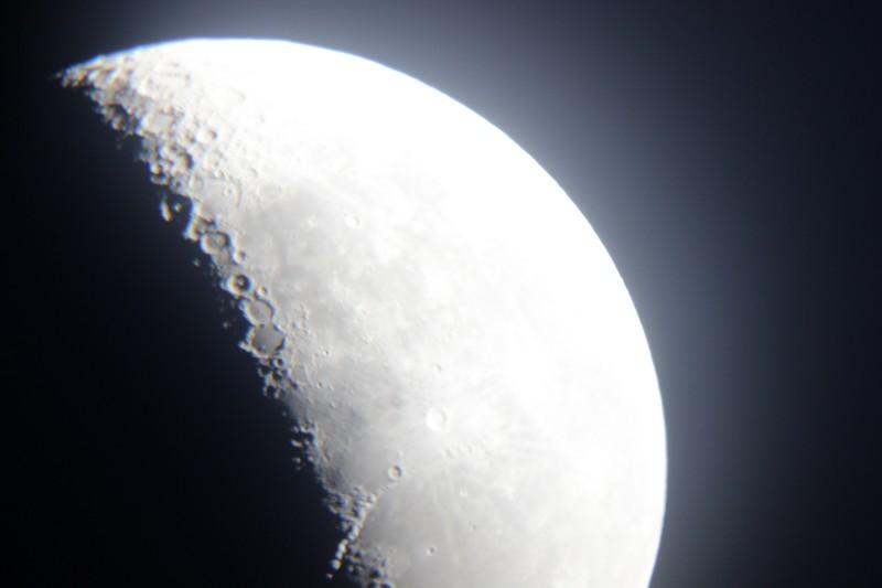 Mjesec kroz manje povećanje teleskopa Perzeida (foto: Martin Vujić)