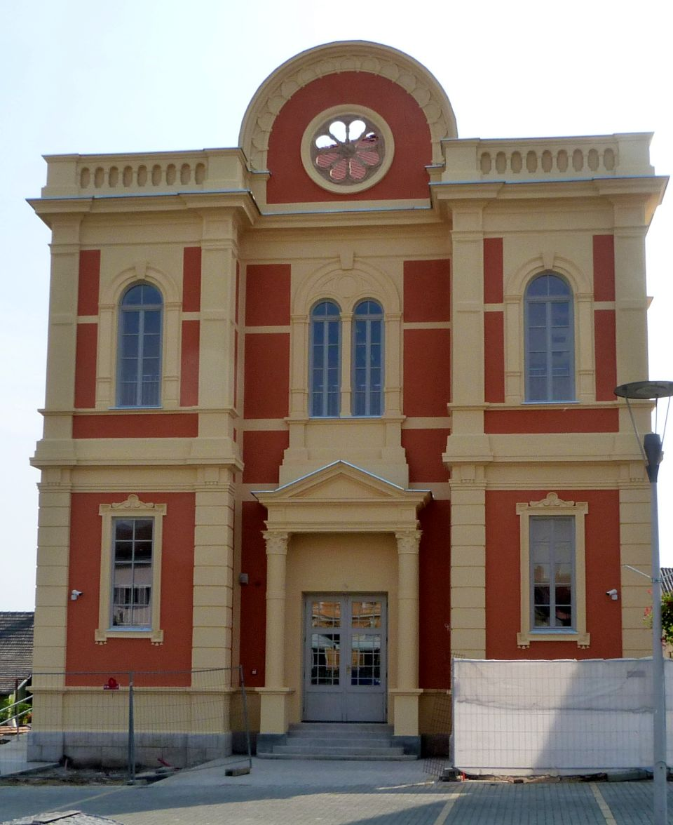 sinagoga_obnovljena_dom_mladih_turisticki_informativni_centar
