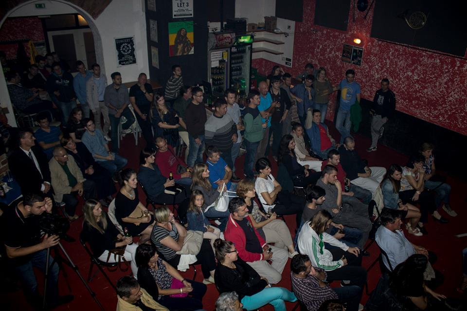 Ugođaj na premijeri Žice (foto: Klub kulture)