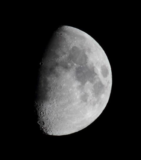 Mjesec nad Križevcima 1. studenoga 2014. (foto: Martin Vujić)