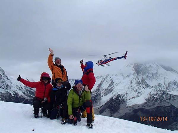 Zdravko_Sirola_planinar_Lobuche East (6119 m)_s helikopterom_2014-10-13_600px