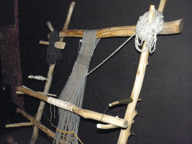 Iz dosadašnjeg programa Culture Shocka: na tribini o eksperimentalnoj arheologiji, 2. travnja, posjetitelji su i sami mogli tkati na replici tkalačkog stana iz davnih vremena