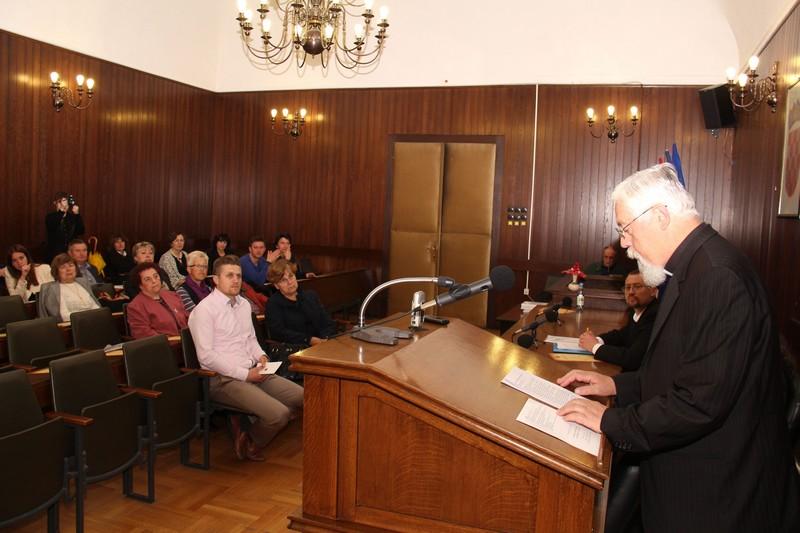 Uvodno predavanje vladike križevačkog Nikole Kekića na znanstvenom skupu 22. svibnja 2015. (foto: Marcel Kovačić)