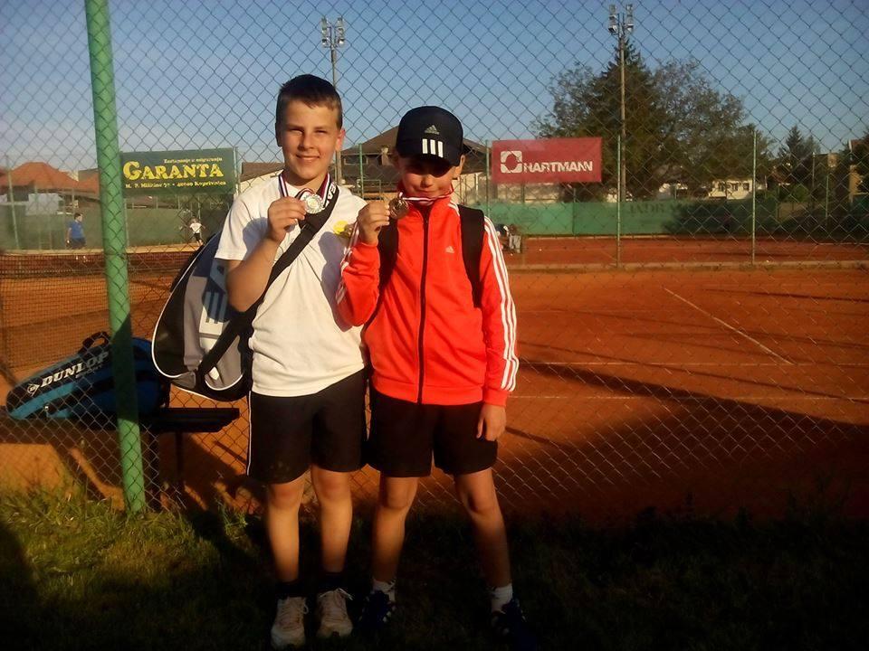 11198634_642347395899118_514766747_n_najmladji_tenisaci_teniski_klub_krizevci