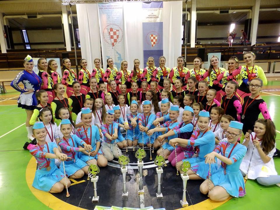 Krizevacke_mazoretkinje_drzavno_prvenstvo_2015