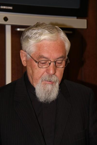 Nikola Kekić, vladika križevački drži uvodno predavanje na znanstvenom skupu o djelovanju grkokatolika u Križevcima, 22. svibnja 2015. (foto: Marcel Kovačić)