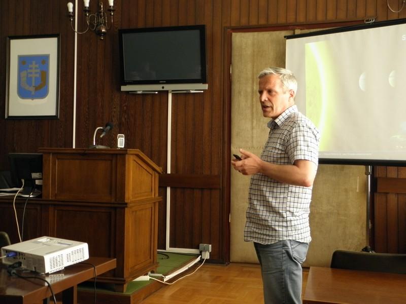 Prvi predavač na okruglom stolu o meteoritu Križevci: Damir Šegon (foto: Martin Vujić)
