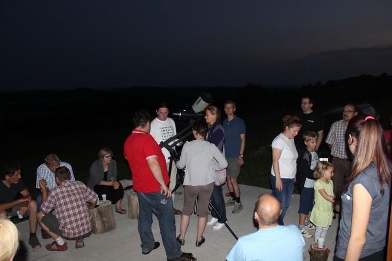 Nastavna sekcija Hrvatskog fizikalnog društva, Perzeidi i njihovi prijatelji na promatranju neba u Kamešnici povodom konjunkcije Venere i Jupitera 2. srpnja 2015. (foto: Martin Vujić)