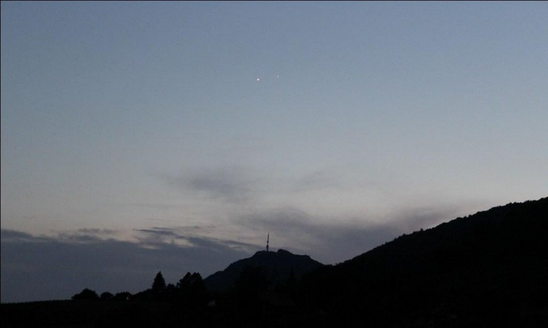 Venera i Jupiter promatrani s Kalnika 2. srpnja 2015. - dan nakon konjunkcije. Dobro se vide već u sumrak (foto: Martin Vujić)