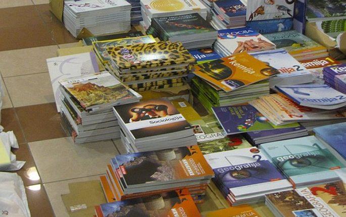 Školski-udžbenici-knjige-685×455