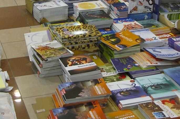 Ovih dana je prilika za razmjenu školskih knjiga (foto: Gradska knjižnica Križevci)