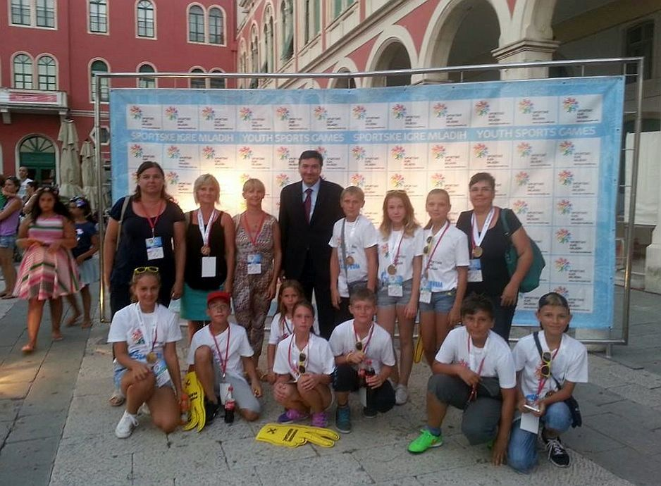 Sportske_igre_mladih_Split_2015_Nazorovci_ministar_Mornar