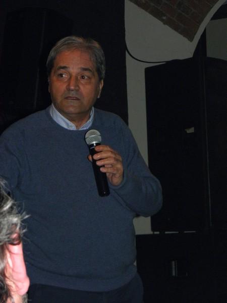 Damir Matković na tribini u Klubu kulture u Križevcima 26. travnja 2013. (foto: R. Matić)