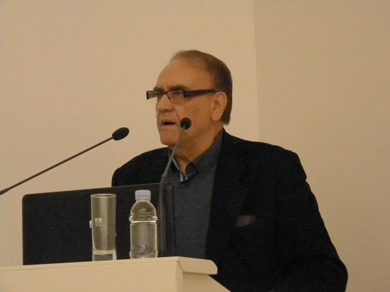 Akademik Mirko Zelić diskutira poslije predavanja akademika Vladimira Paara (foto: R. Matić)