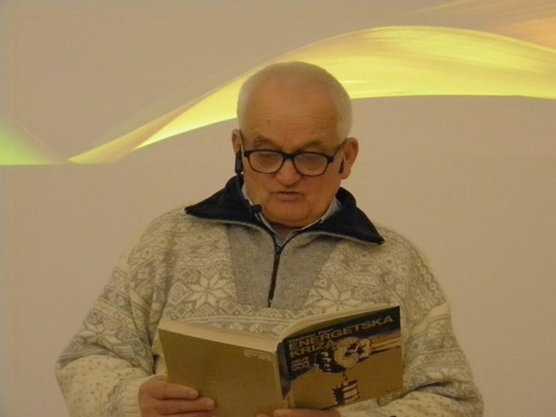 Akademik Vladimir Paar na predavanju u knjižnici HAZU 4. veljače 2016. (foto: R.Matić)