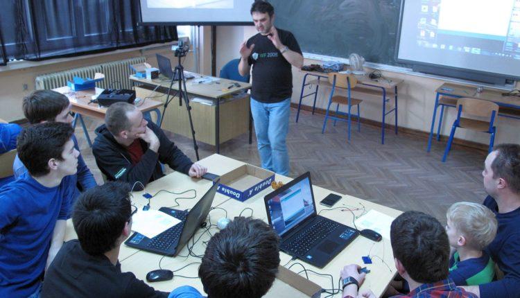 IMG_6434_Croduino_radionica_Culture_Shock_Croatian_Makers_gimnazija_Arduino