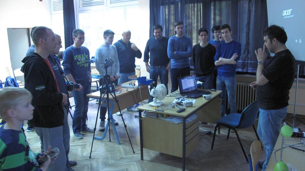 IMG_6440_Croduino_radionica_Culture_Shock_Croatian_Makers_gimnazija_Arduino