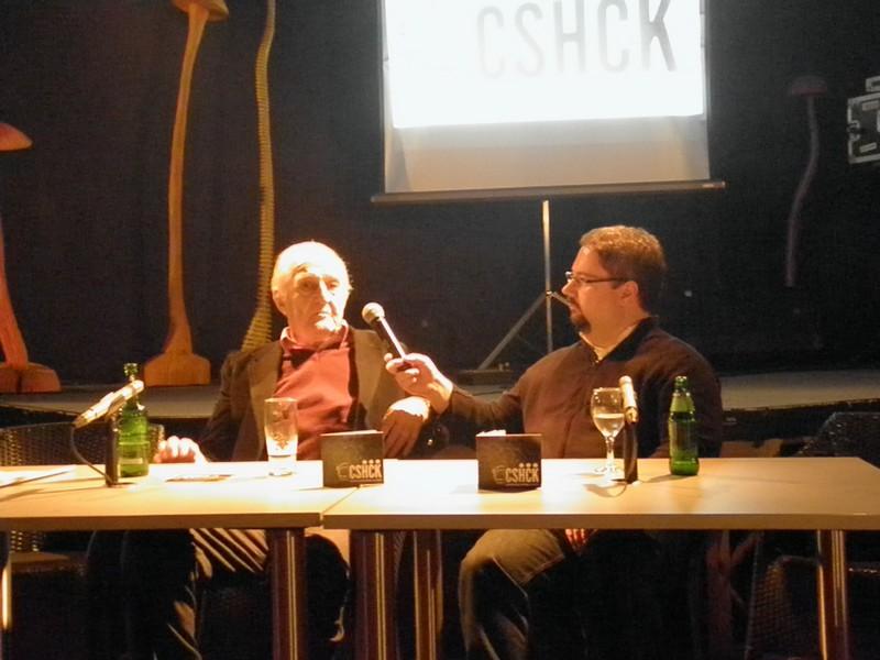 Redatelj Veljko Bulajić danas ima rođendan a Danijel Rafaelić nam ga je predstavio na 10 Culture Shocku 11. ožujka 2014. (foto: R.Matić)