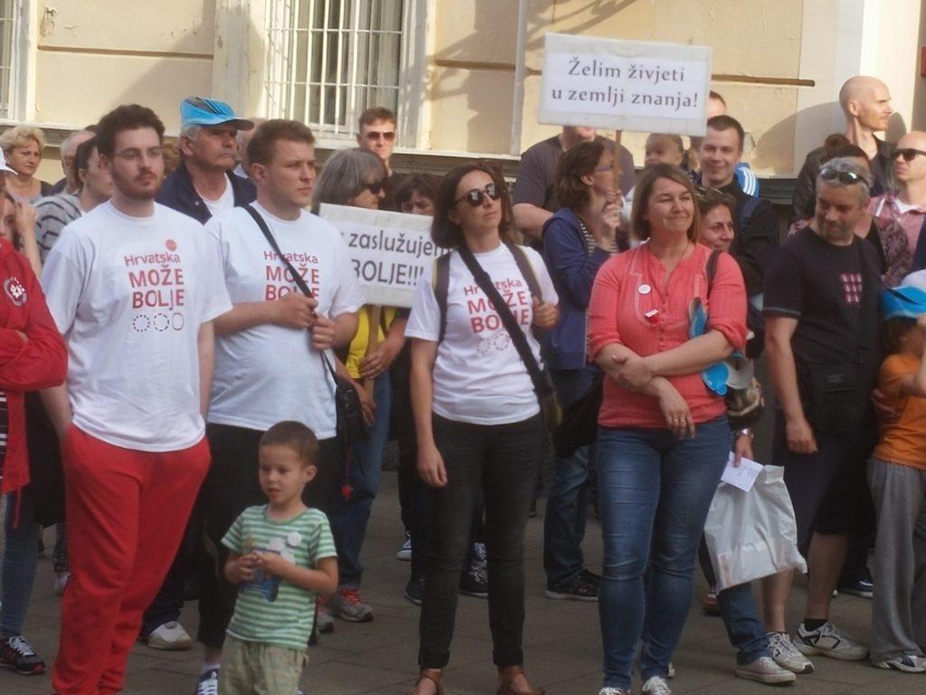 20160601_181244_prosvjed_podrske_Hrvatska_moze_bolje_cjelovita_kurikularna_reforma_Udruga_POINT_Krizevci