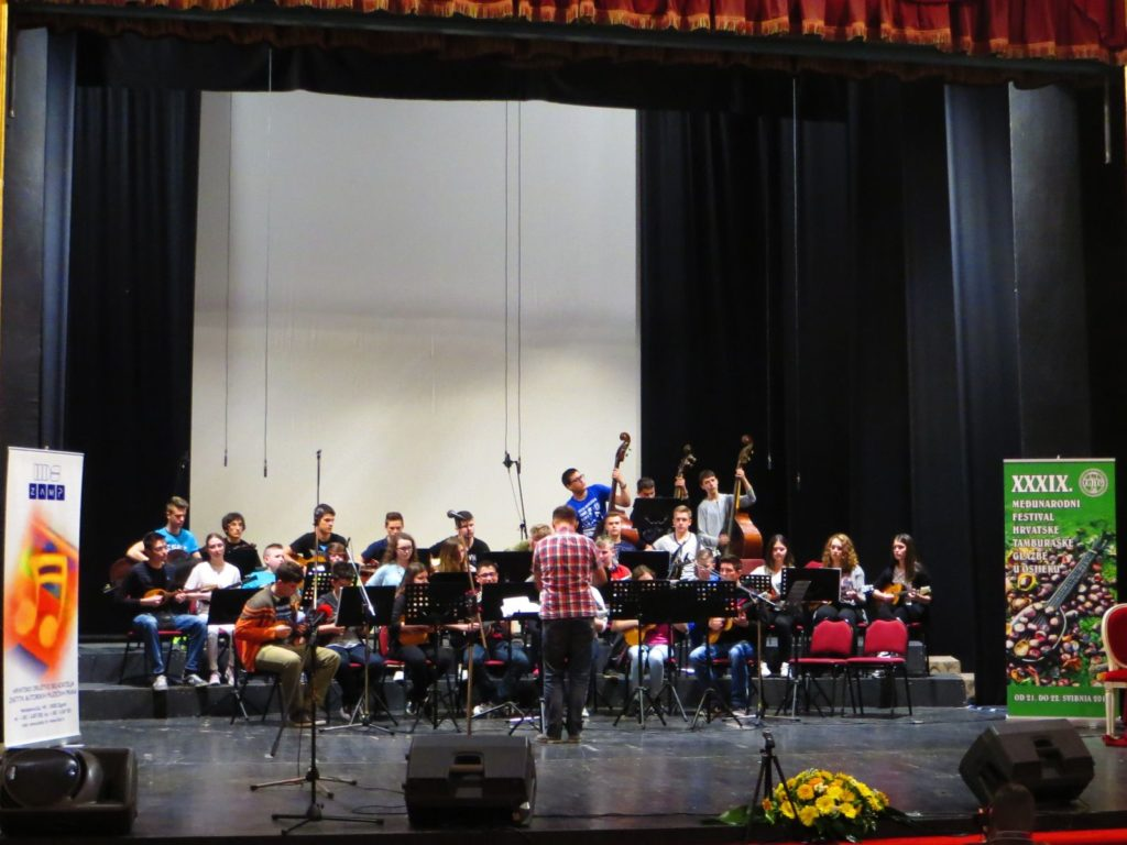 IMG_3071_Tamburaski_orkestar_glazbena_skola_zlatna_plaketa_pajo_kolaric_osijek