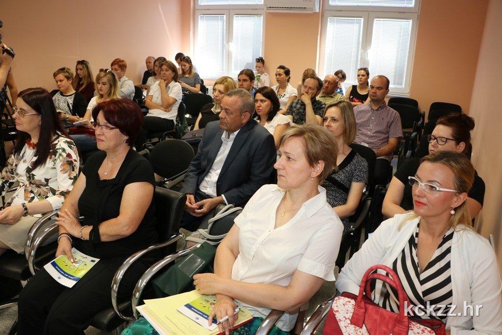 IMG_9033m zavrsna konferencija Hocu biti vjest djak projekt ESF