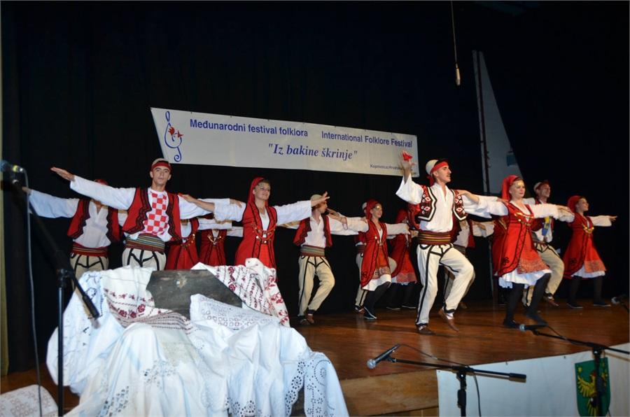 medjunarodni_festival_folklora_iz_bakine_skrinje_1