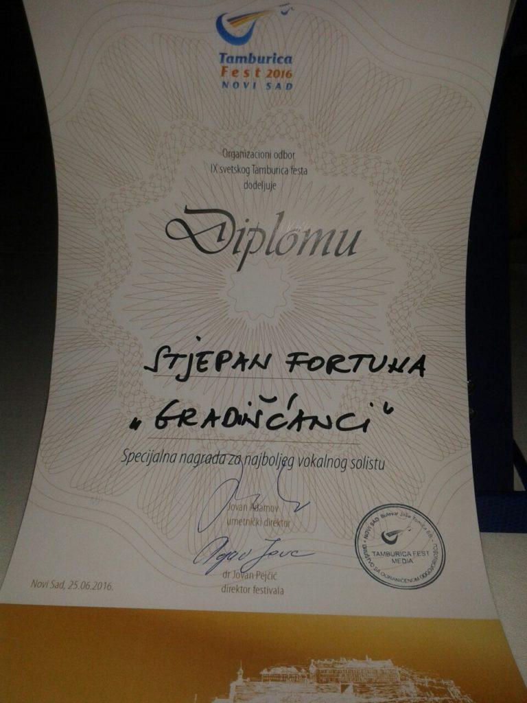slika 9_svjetski_Tamburica_fest_Stjepan_Fortuna_vokalni_solist_Novi_sad