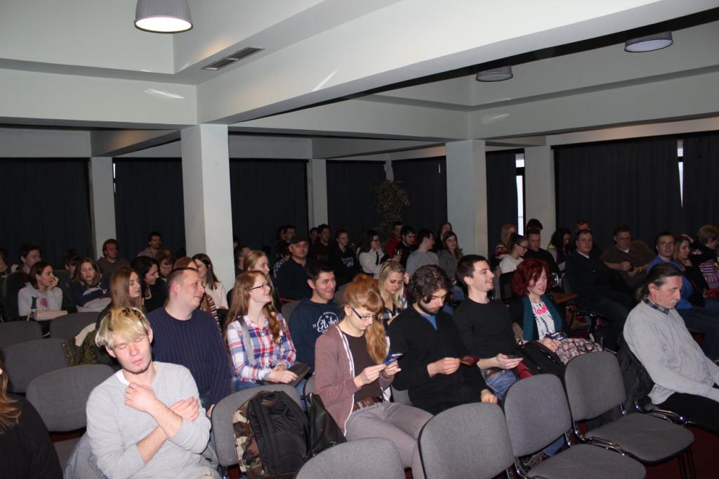 Diskusija nakon predavanja na Star Partyju na Sljemenu 12. ožujka 2016. (foto Martin Vujić)