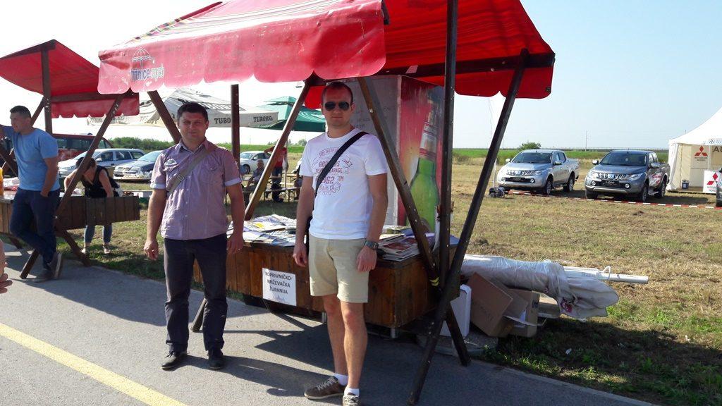 Velika-Gorica-26-28-09-2016-štand-Kc-kž-županije_drzavno_natjecanje_oranje_Sasa_Visak_Zoran_Radicek