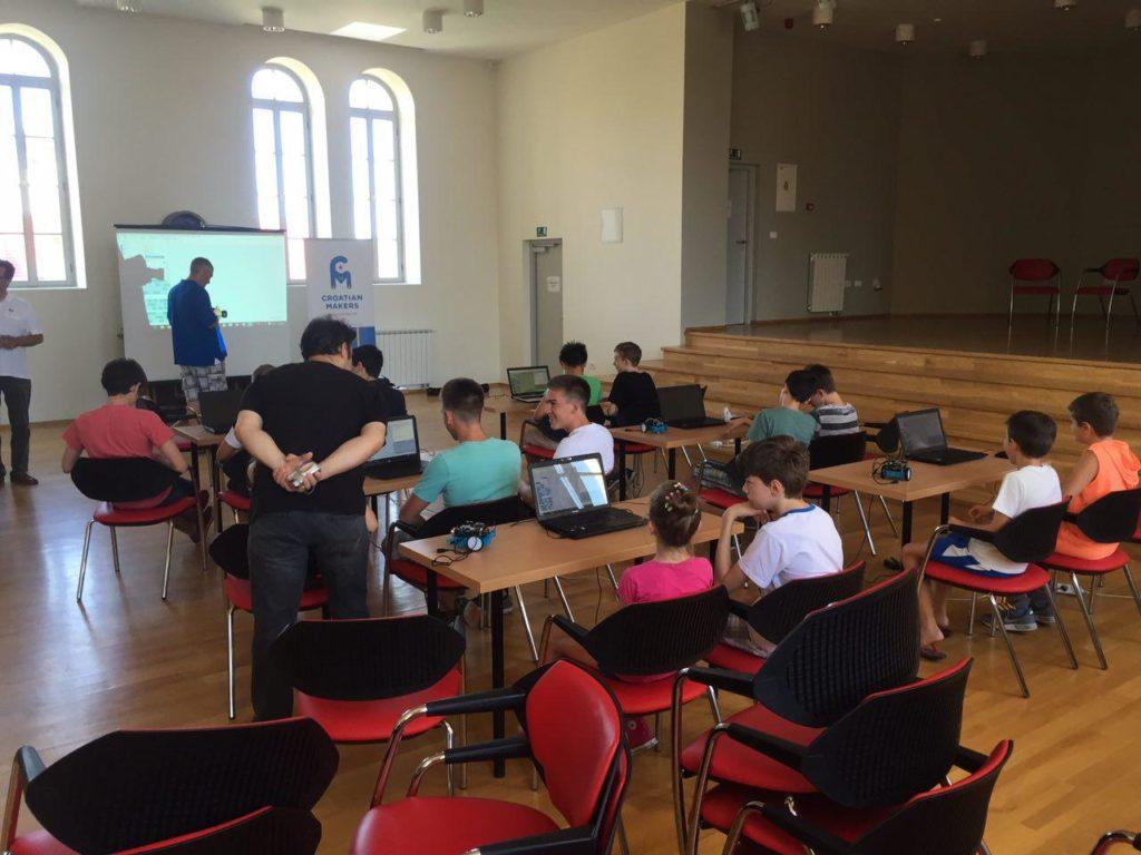 photo_2016-08-09_10-14-07_STEM_auto_Croatian_Makers_robotika_IRIM_by_Mario_Rajn