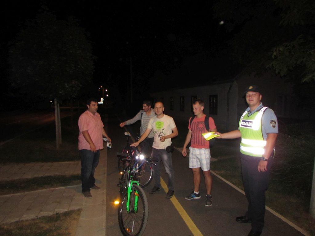 IMG_6472_Osvijetli_se_akcija_svjetla_bicikli_prsluci_KUB_POINT_Policija