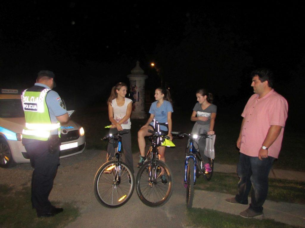IMG_6479_Osvijetli_se_akcija_svjetla_bicikli_prsluci_KUB_POINT_Policija