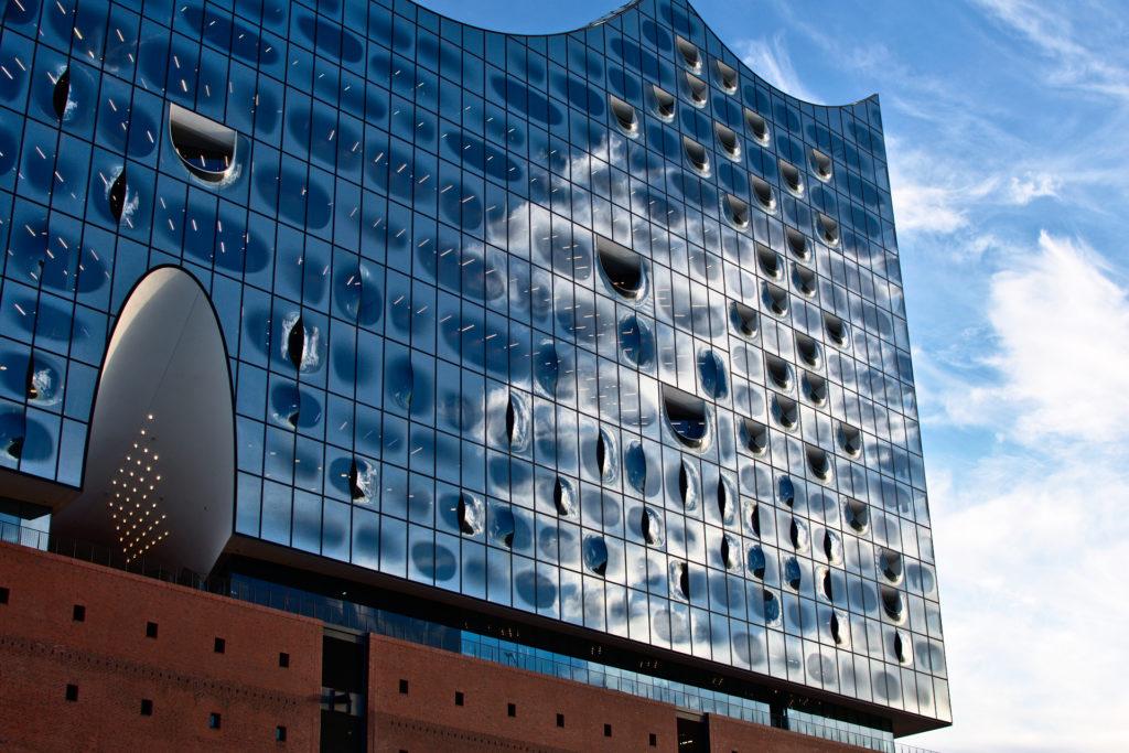 Netom dovršena zgrada Elbske filharmonije