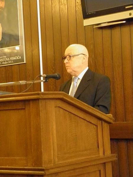 Akademik Ante Stamać govori o Antunu Nemčiću 1. ožujka 2013. (foto R. Matić)