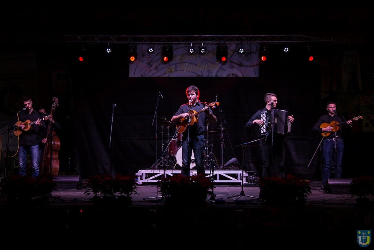 img_4903_udruga_maslacak_koncert_humanitarni_pjevajmo_zajedno_2016