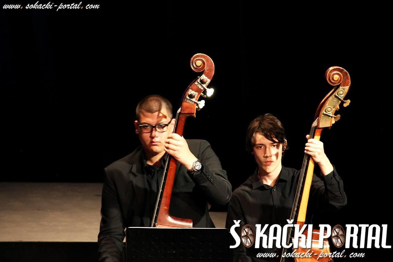 19238265_1937845879768931_7028510818769085284_o_Zlatna_plaketa_Paje_Kolarica_Sokacki_portal_Tamburaski_orkestar_GS_Alberta_Strige