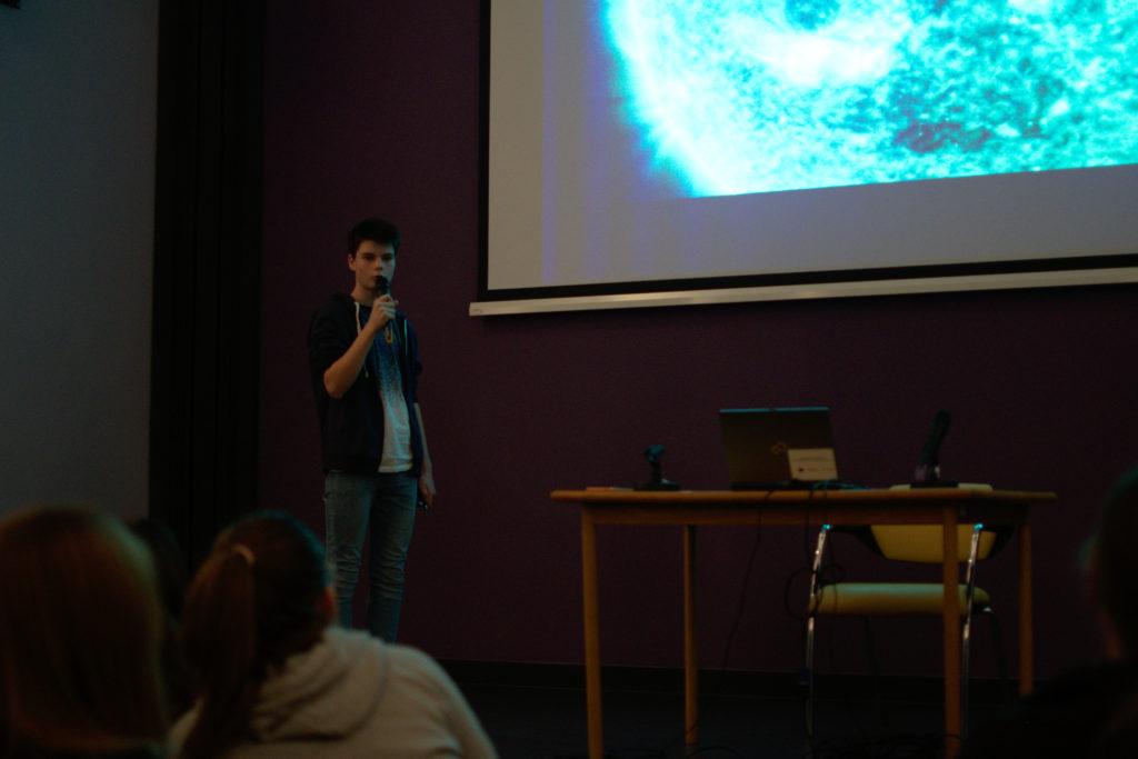 Mladi astronomi OŠ V. Nazora